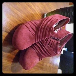 Bamboo Size 8 booties.